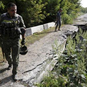 Ucraina, stampa russa: 2000 soldati Mosca morti in conflitto. Scontri nel Donbass: 7 vittime