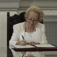 Grecia, per la prima volta un premier donna: incarico ad interim a Vassiliki Thanou