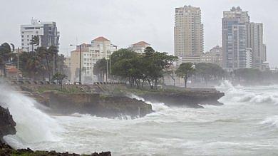 Paura per la tempesta Erika: ai Caraibi   vd   oltre 30 morti. Florida, stato d'emergenza