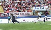 Floro Flores stende il Bologna   Gol   Sassuolo a punteggio pieno   foto