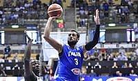 Italia vince ancora e riceve buone notizie su Bargnani