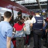 Terrorismo, biglietti nominativi pattuglie miste e controllo bagagli sui treni internazionali