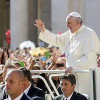 Il Papa, i migranti, e l'aiuto degli angeli custodi