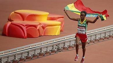 Mondiali atletica, l'etiope Mare Dibaba trionfa nella maratona femminile   foto