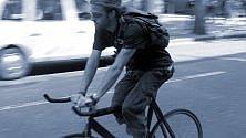 Texas, bici a scatto fisso degli hipster fa impazzire una Google car