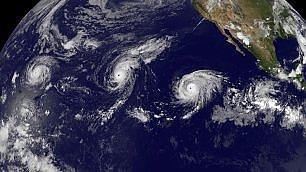 Tre uragani in viaggio  -   video    le immagini dalla stazione spaziale