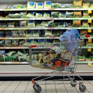Consumi, Italia spaccata al Nord carrello della spesa vale 42% più che al Sud