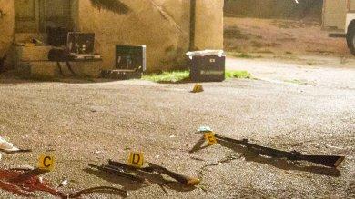 Potenza, troppa 'carica' nel fucile di scena  l'esplosione ha ucciso due figuranti   video