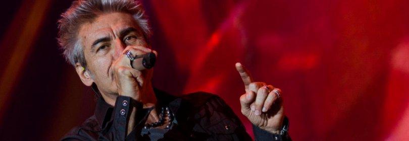 Venticinque anni di Ligabue, il sogno rock torna a Campovolo per un concerto da record -  Video 1  /  2