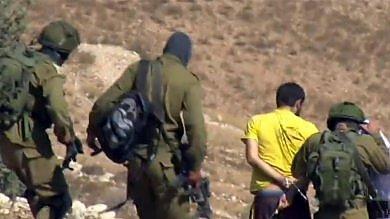 Israele, rilasciato l'attivista italiano  arrestato in Cisgiordania   video -     foto