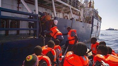 Profughi, Ue varerà nuovo diritto d'asilo  Corte  condanna Italia per espulsioni  2011