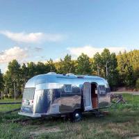 La roulotte vintage si rifa il look: ecco il camper da 250mila dollari