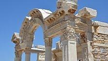 Da Efeso a Izmir    foto    Antichità, la Casa Sacra e una città per ciclisti