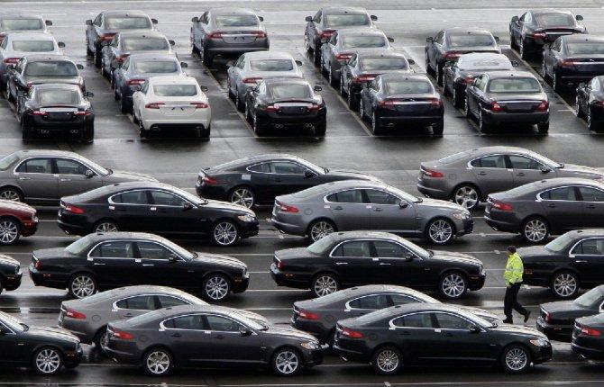 Mercato auto, ad agosto vendite a più 10,65%: la corsa continua