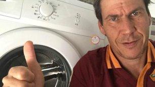 Strootman si opera Gli auguri con le lavatrici