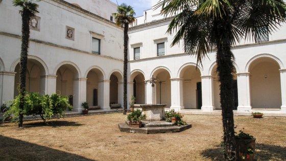 Un bagno di arte e cultura per una delle pi grandi esposizioni dedicate alla storia della - Arte bagno taranto ...
