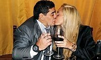 Maradona di nuovo sposo  Matrimonio a Roma, vuole il Papa