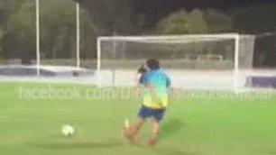 Maradona fuori forma ma il piede è ancora fatato