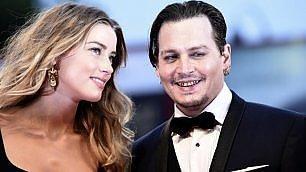 Depp, la bellezza perduta Sul red carpet brilla la moglie