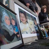 Nella città martire dei curdi l'addio al bambino morto per vivere