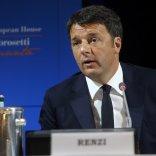 """Cernobbio, Renzi: """"Non siamo più  problema in Ue. Ora giù le tasse"""""""