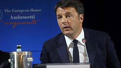 """Cernobbio, Renzi: """"Non siamo più  problema Ue. Ora giù tasse""""   video"""