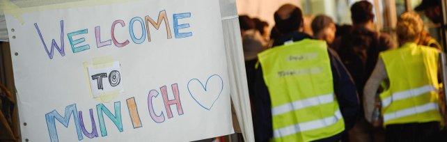 Profughi, Vienna e Berlino: frontiere aperte   foto   Oggi migliaia in Germania   foto   -   video   -   liveblog