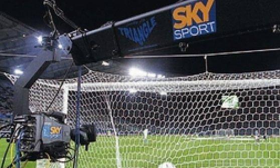 "Yves Confalonieri: ""Platini ci tuteli, cambi la Champions"""