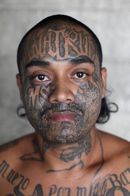 Dentro la prigione più pericolosa al mondo: i ritratti della gang Mara Salvatrucha