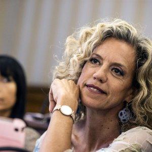 "Parlamento Ue: ""L'Italia dica sì ai matrimoni gay"""