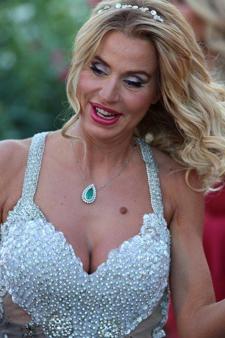 Valeria, così è troppo: la Marini a Venezia con labito