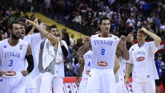 Basket, Europei: cuore Italia, Germania ko all'overtime. Azzurri agli ottavi di finale