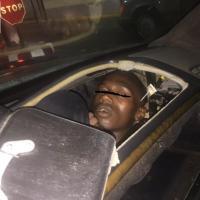 Spagna, migrante si nasconde nel cruscotto dell'auto