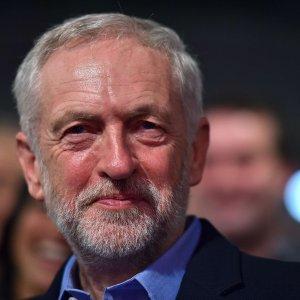 """Labour GB, la sfida di Corbyn:  """"L'austerità ha fallito io difendo i più deboli"""""""