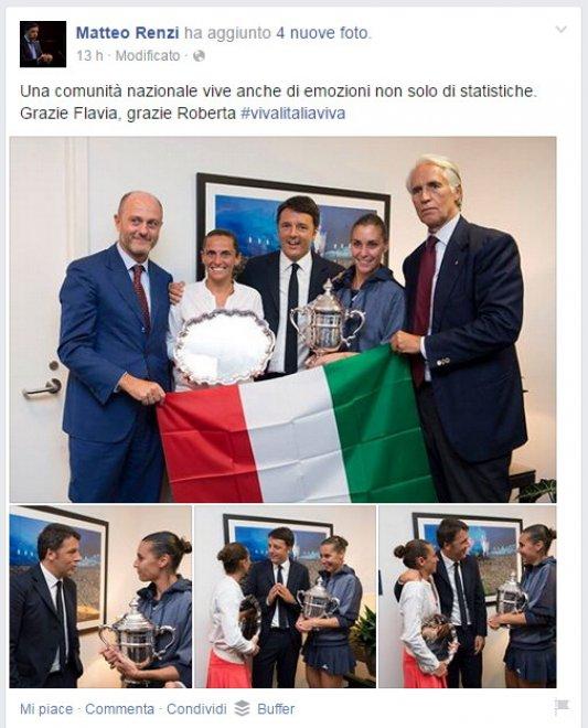 Renzi, bandiera al contrario nella foto con Pennetta e Vinci. I social non perdonano