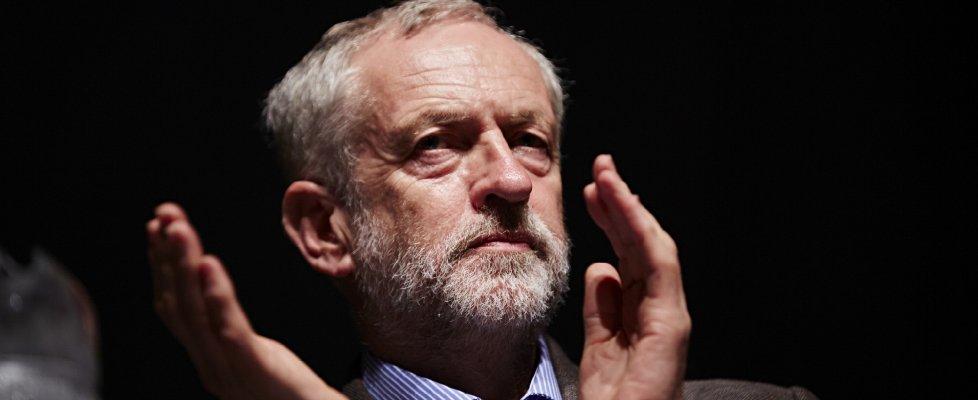 Gb, Corbyn forma governo ombra. Ma è polemica sull'Europa