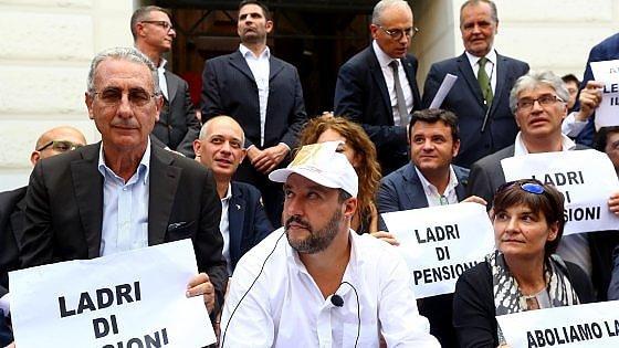"""Esodati, Lega occupa Mef e banchi del governo. Salvini: """"Fornero legge infame"""""""