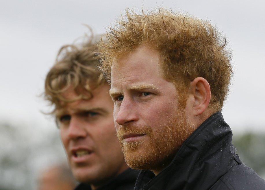 Harry, nuovo look con barba: il principe soldato ha 31 anni