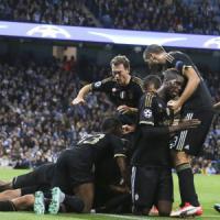 Champions, Mediaset ha l'esclusiva? Sky s'inventa le radiocronache