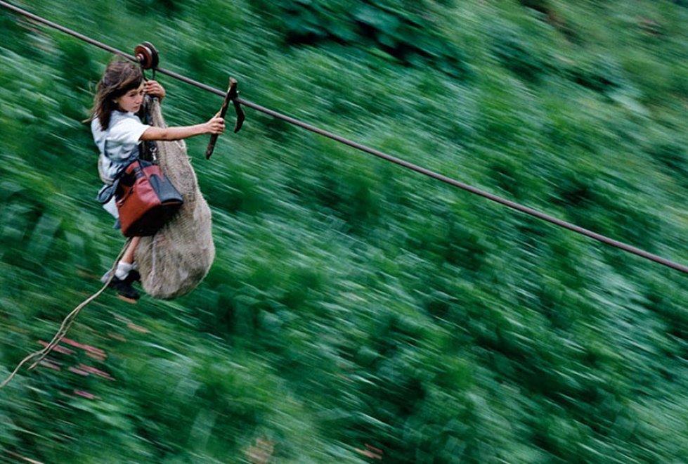 Andare a scuola è un'avventura: i tragitti più pericolosi al mondo