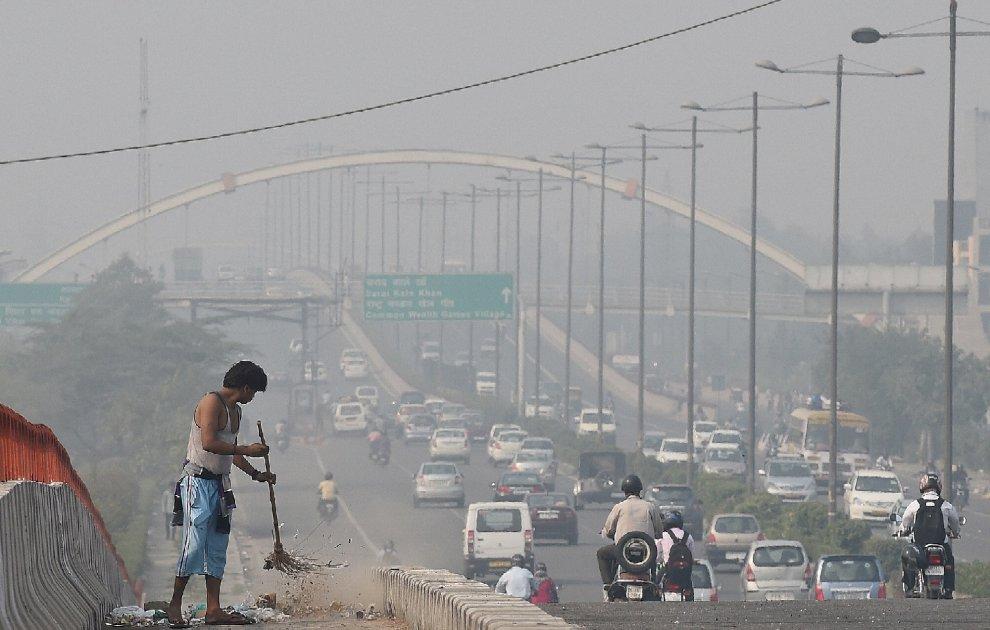 Risultati immagini per città inquinata