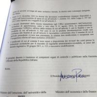 Scuola, Renzi firma il buono di 500 euro per i prof. E partono le ultime 55mila chiamate
