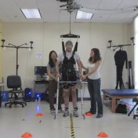 """""""Paraplegico torna a camminare dopo anni di paralisi"""""""