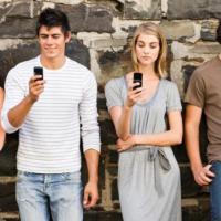 Millennials: smartphone in mano, web in tasca