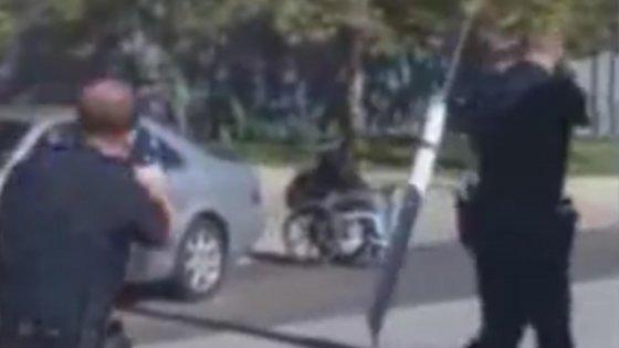 """Usa, polizia spara e uccide disabile afroamericano. """"Era armato"""". Aperta inchiesta"""