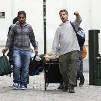 """In Marocco, tra i disperati che sognano l'Europa: ogni giorno un assalto al """"muro""""spagnolo"""