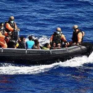 Migranti, barcone naufraga a largo di Bodrum: 17 morti