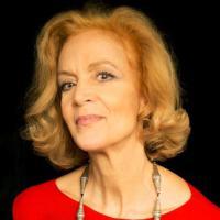 """Lucia Poli: """"Mio fratello è il gioco, io l'impegno, siamo solisti amanti delle s..."""