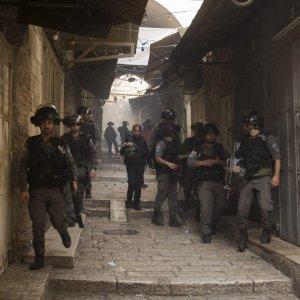 Gerusalemme, nuovi scontri alla moschea di al Aqsa