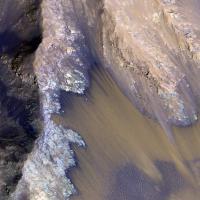 Su Marte scorre acqua salata, le immagini dell'Orbiter